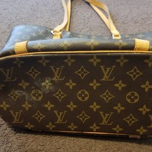72fb3f6fef8 Louis Vuitton Bags - Authentic Louis Vuitton Sac Shopper Bag